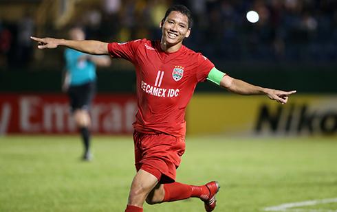 Bình Dương thắng CLB Hàn Quốc khi hơn hai người