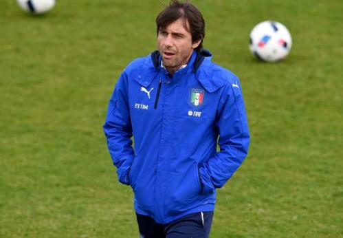 Conte bị kiện, đối mặt án tù sáu tháng