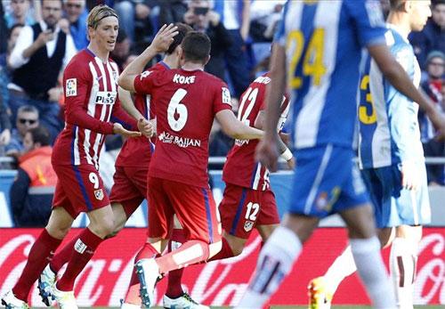 Torres tỏa sáng, Atletico chỉ còn kém ba điểm so với Barca