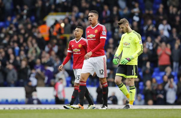 Man Utd thảm bại trước Tottenham, xa rời top 4