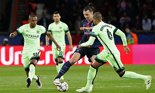 Van Gaal ám chỉ Ibrahimovic quá già để sang Man Utd
