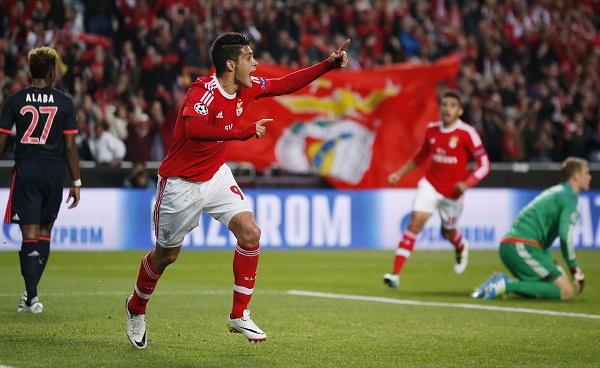 Bayern lần thứ năm liên tiếp vào bán kết Champions League