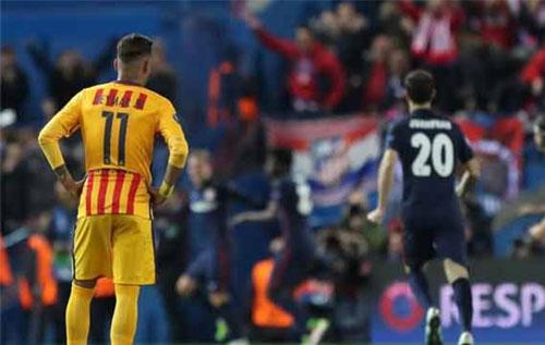 CĐV Barca quy lỗi cho cầu thủ, tôn trọng chiến thắng của Atletico
