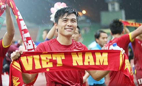 SLNA xử lý nội bộ trung vệ U23 Việt Nam