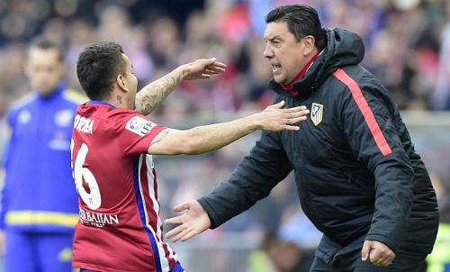 Atletico tiếp mạch thắng, dù Simeone bị truất quyền chỉ đạo
