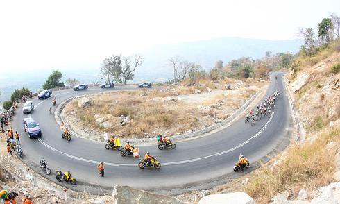 Giải xe đạp xuyên Việt: Áo đỏ đổi chủ, Trường Tài giữ Áo vàng