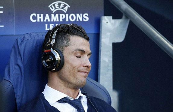 Ronaldo nghỉ đá, Real bị Man City cầm chân ở bán kết lượt đi