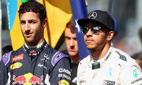 Tay đua của Red Bull muốn 'đấm nhau' với Hamilton
