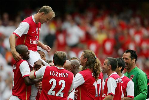 Dennis Bergkamp: Người Hà Lan... không bay