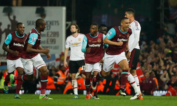 Thua ngược West Ham, Man Utd mất quyền tự quyết vào top 4