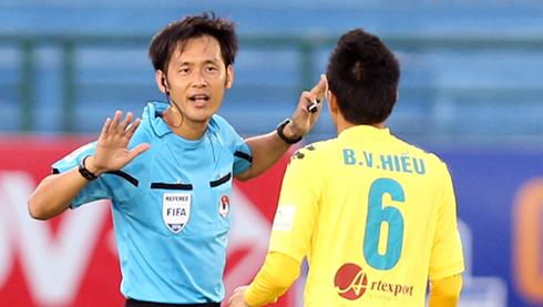 V-League tính phương án thuê trọng tài ngoại