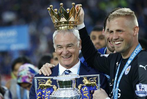 Ranieri đoạt giải HLV hay nhất tháng Tư