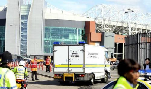 Nghi có bom, trận Man Utd - Bournemouth bị hoãn đến ngày 17/5