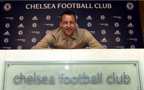 Terry ký hợp đồng ở lại Chelsea thêm một năm