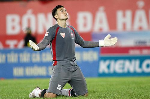 HLV Hữu Thắng gọi thủ môn Việt kiều vào tuyển Việt Nam