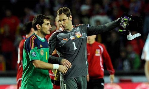 Cech - Casillas và ngã rẽ của hai thủ môn sinh cùng ngày