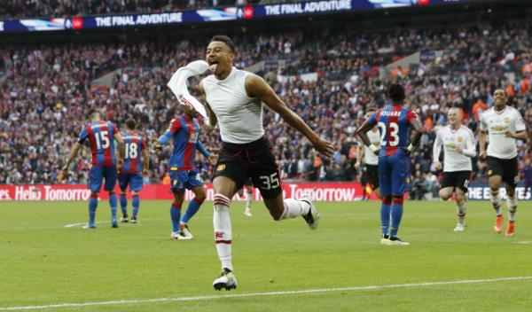 Man Utd thắng ở hiệp phụ để đoạt Cup FA