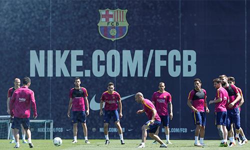 Barca ký hợp đồng tài trợ kỷ lục với Nike
