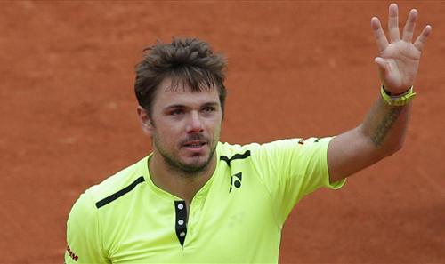 Wawrinka thắng vất vả trận ra quân Roland Garros