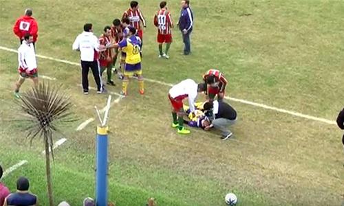 Một cầu thủ Argentina chết sau cú đánh của đối thủ