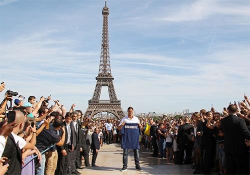 Ibrahimovic rời PSG: Khoảng trống thần tượng