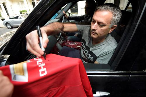 Mourinho có nguy cơ cao bị sa thải tại Man Utd