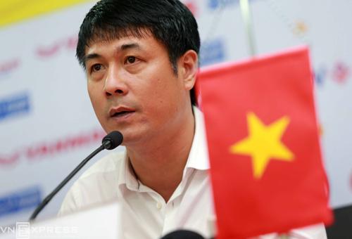 """HLV Hữu Thắng: """"Không ai chắc suất ở tuyển Việt Nam"""""""