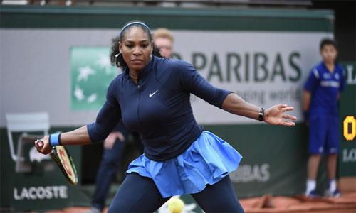Serena Williams vào tứ kết Roland Garros