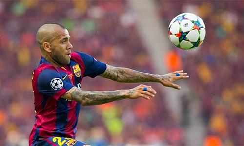 Barca xác nhận chia tay Dani Alves