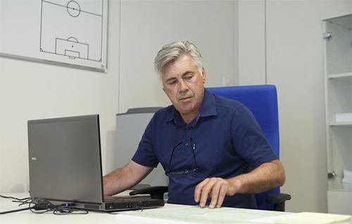 Tự truyện của Ancelotti: Chỉ là tay mơ khi vào nghề HLV