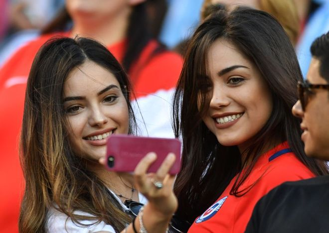 Những bóng hồng trên khán đài Copa America 2016 - ảnh thể thao