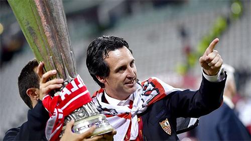 PSG sắp sa thải Blanc, mời HLV lập hattrick vô địch Europa League
