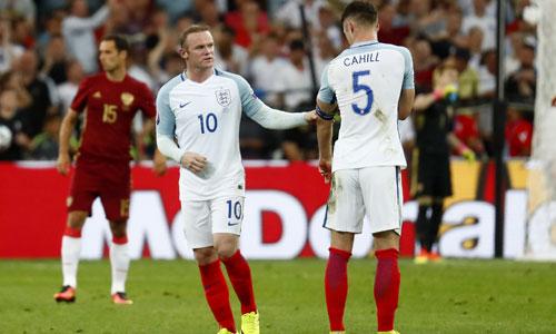 Rooney phản pháo Bale trước trận chiến với xứ Wales