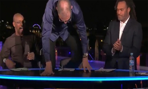 Bilic trèo lên bàn, mừng Payet ghi bàn cho tuyển Pháp
