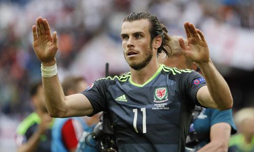 Bale thúc giục đồng đội tiếp tục chiến đấu