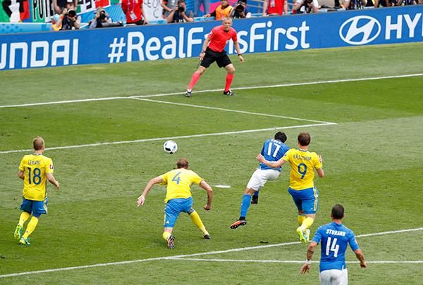 Italy đánh bại Thuỵ Điển, giành vé đi tiếp sớm một lượt đấu