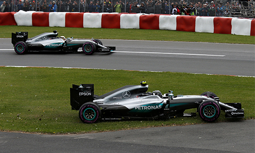 Hamilton mắc lỗi, Rosberg giành pole tại Grand Prix châu Âu