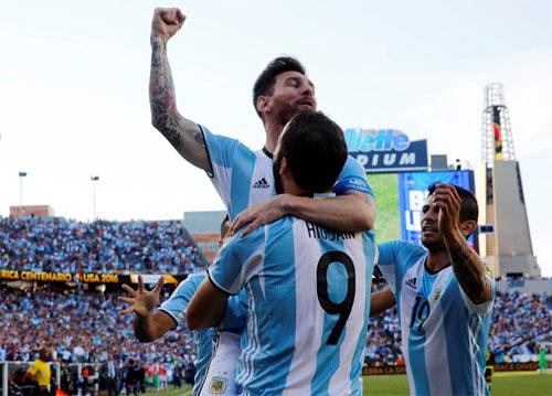 Argentina vào bán kết Copa America bằng trận đại thắng
