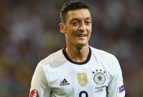 Nội bộ tuyển Đức lục đục vì trận hòa Ba Lan