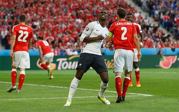 Pháp hoà Thuỵ Sỹ vì ba lần bị xà ngang từ chối bàn thắng