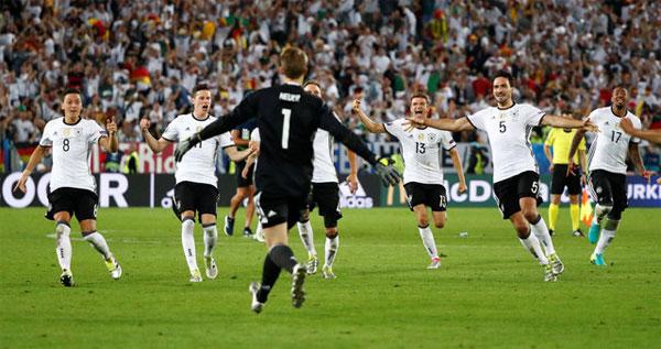 Đức lần đầu đánh bại Italy, vào bán kết Euro 2016