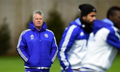 Hiddink từ chối ba lời mời, chờ cơ hội dẫn dắt tuyển Anh