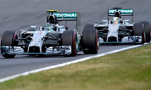 Góc khuất phía sau vụ đâm xe giữa Rosberg và Hamilton