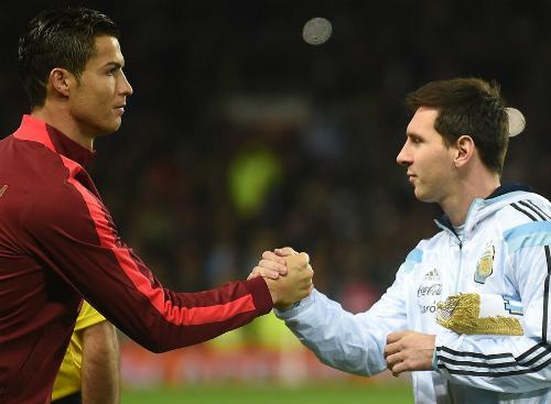 """Cristiano Ronaldo: """"Chẳng sung sướng gì khi thấy Messi khóc"""""""
