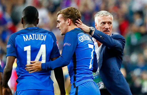 deschamps-griezmann-co-the-tao-khac-biet-o-chung-ket-euro-2016