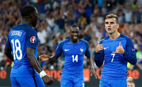 Griezmann lý giải kiểu ăn mừng độc đáo tại Euro 2016