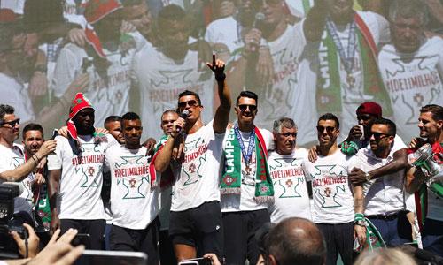 """Ronaldo: """"Chúng tôi đã ghi tên mình vào lịch sử Bồ Đào Nha"""""""