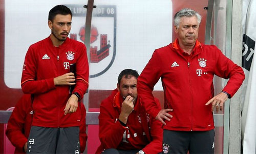 Bayern suýt đánh rơi chiến thắng trong trận đầu với Ancelotti