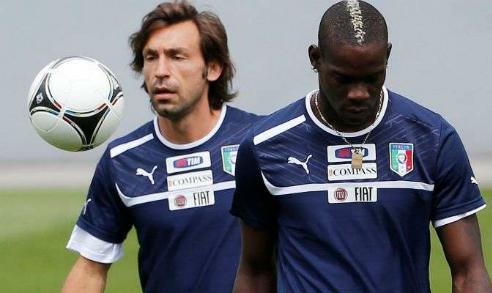 """Pirlo: """"Balotelli lẽ ra phải là cầu thủ hàng đầu thế giới hiện tại"""""""
