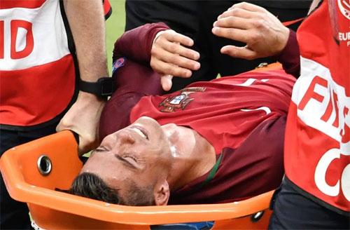 Ronaldo nghỉ thi đấu hai tháng, không dự trận Siêu Cup châu Âu